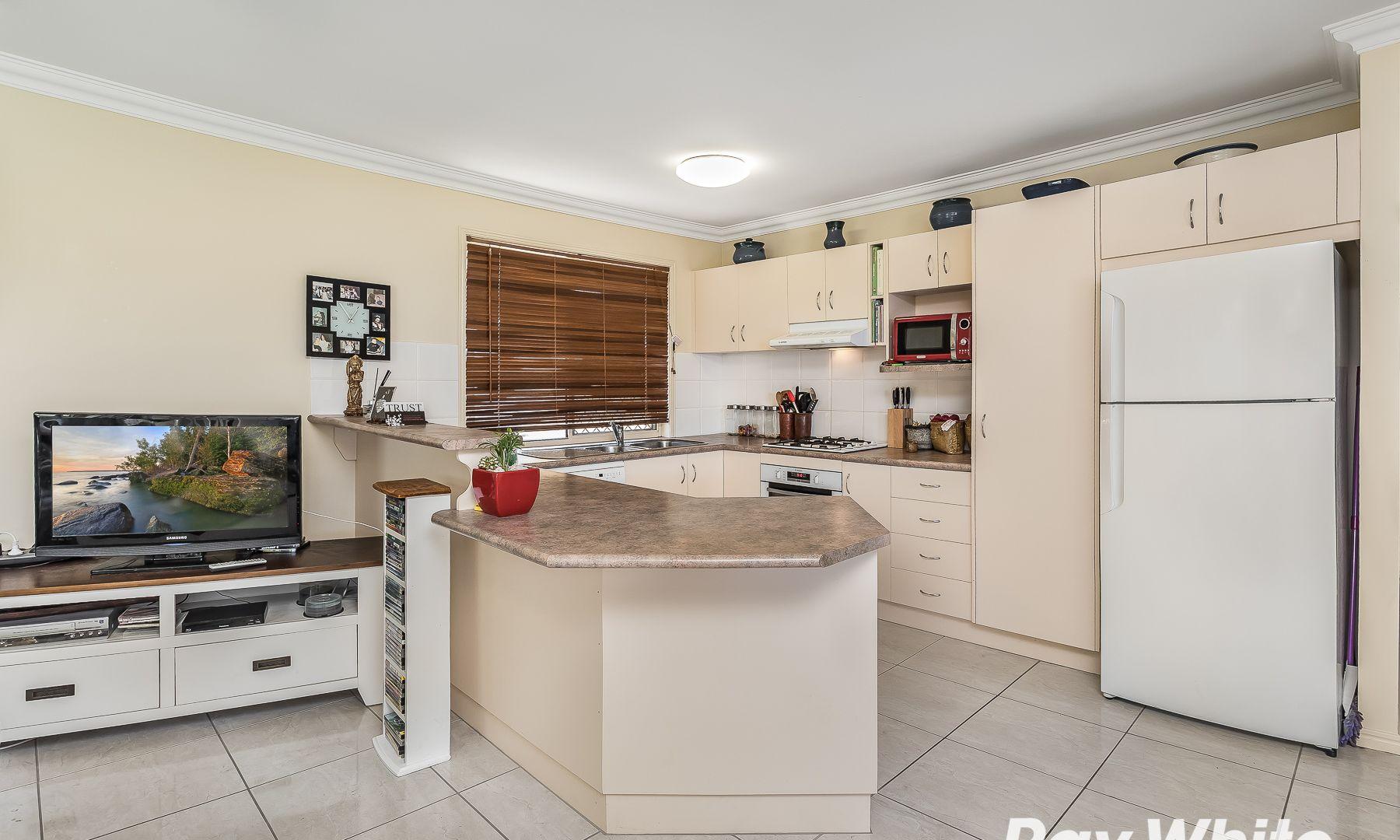 7 Faraday Court, Kallangur QLD 4503, Image 2