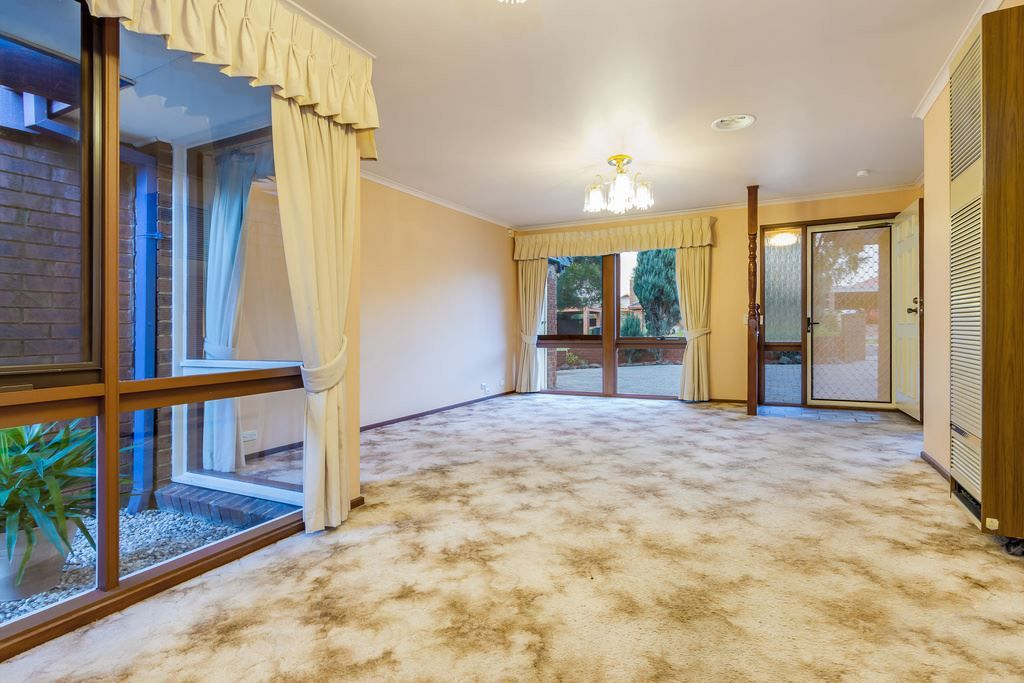 70 Mantung Crescent, Rowville VIC 3178, Image 1