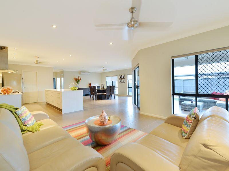 14 Raffles  Avenue, Redlynch QLD 4870, Image 1