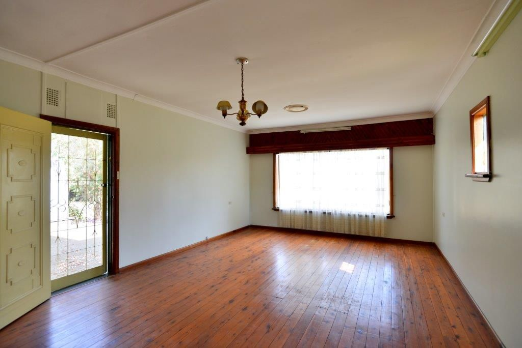 54a Derrig Rd, Tennyson NSW 2754, Image 2
