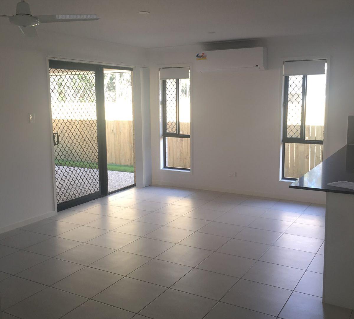 5 Fredrick Place, Park Ridge QLD 4125, Image 2