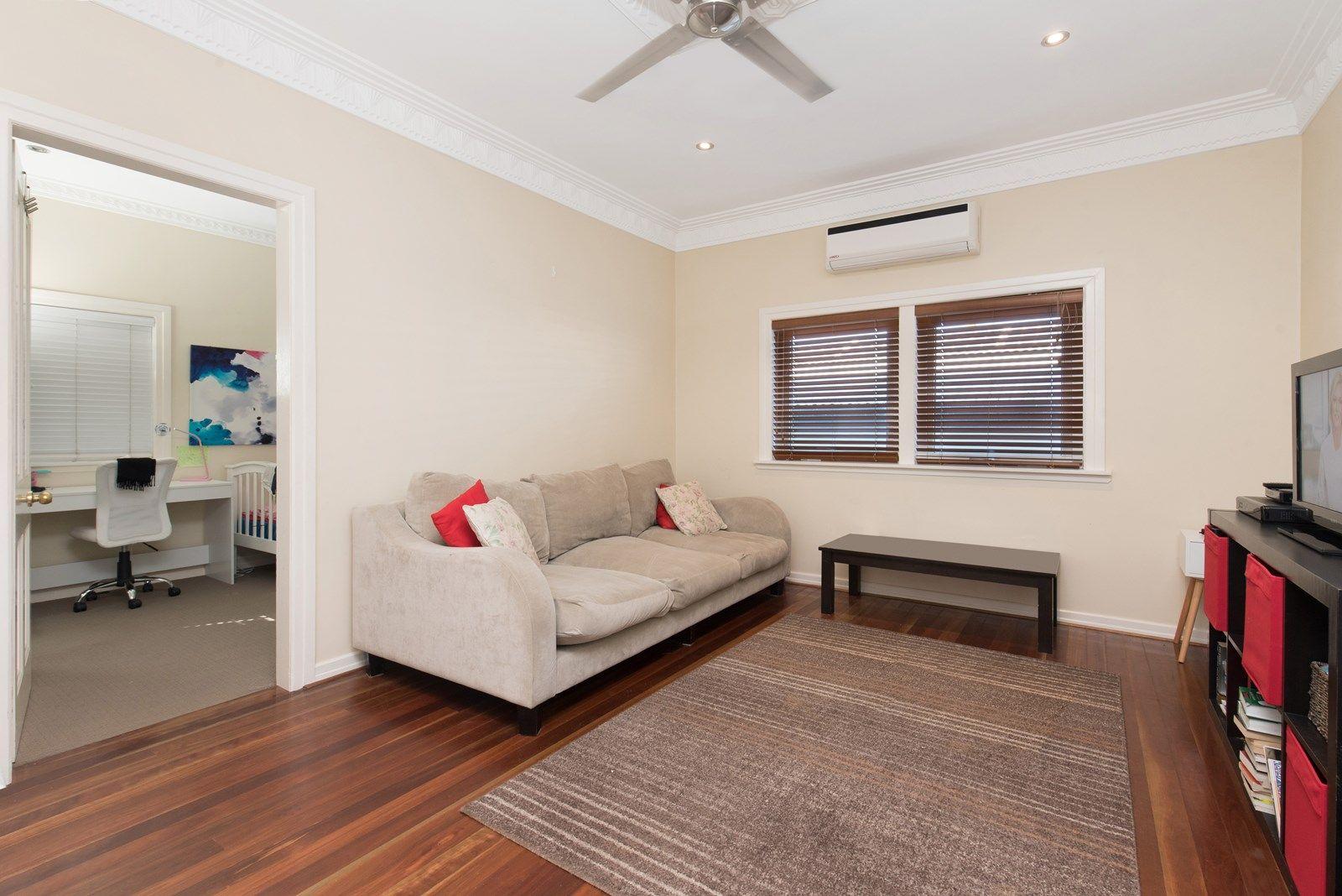 43 Barton Street, Everton Park QLD 4053, Image 2