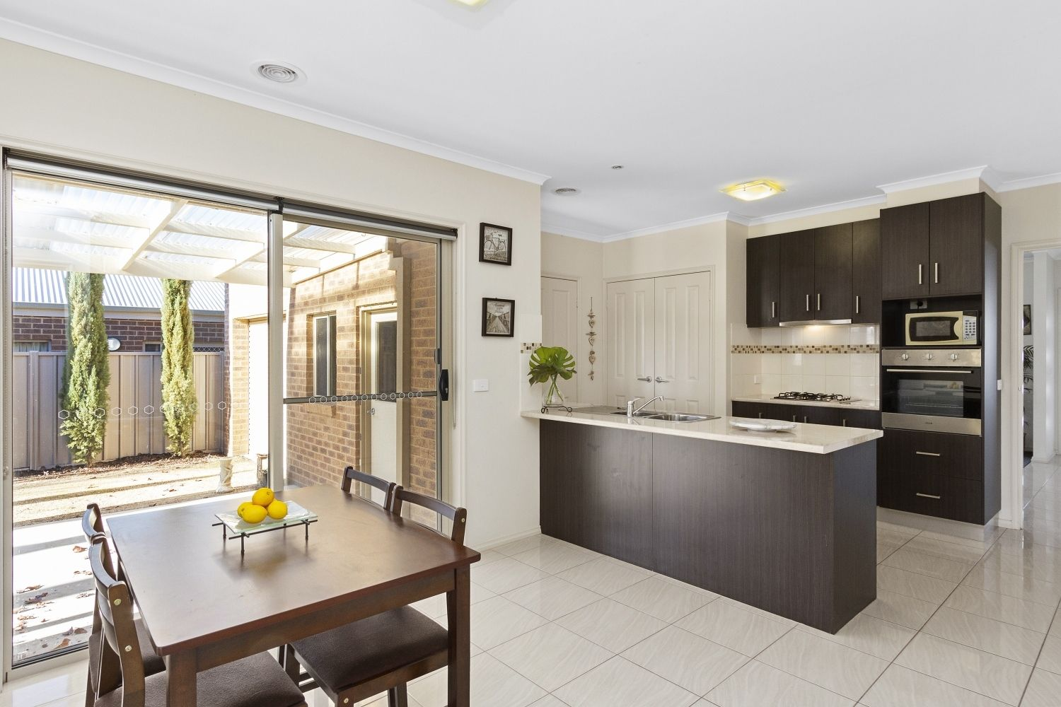 2 Maplewood Court, White Hills VIC 3550, Image 2