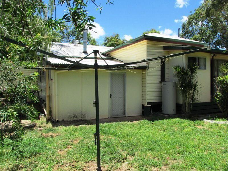 2 Goldston Street, Alpha QLD 4724, Image 2
