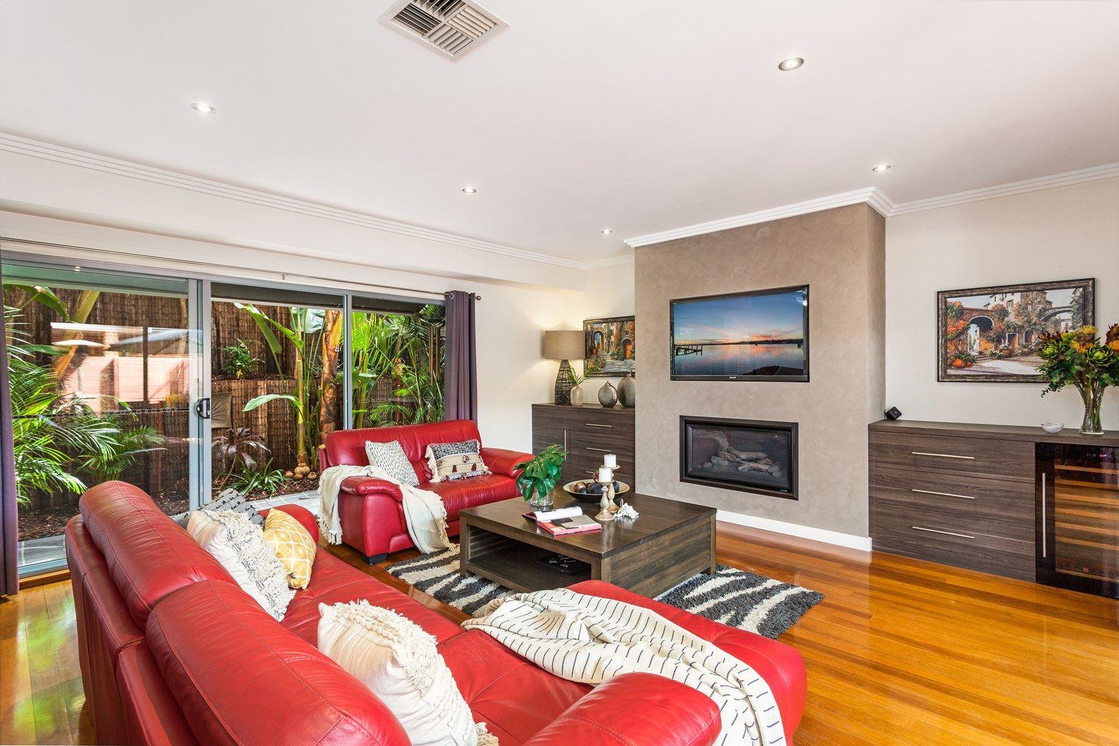 7/4 Kembla  Street, Balgownie NSW 2519, Image 0