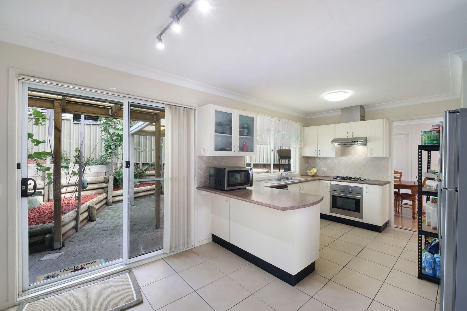 84 James Sea Drive, Green Point NSW 2251, Image 2