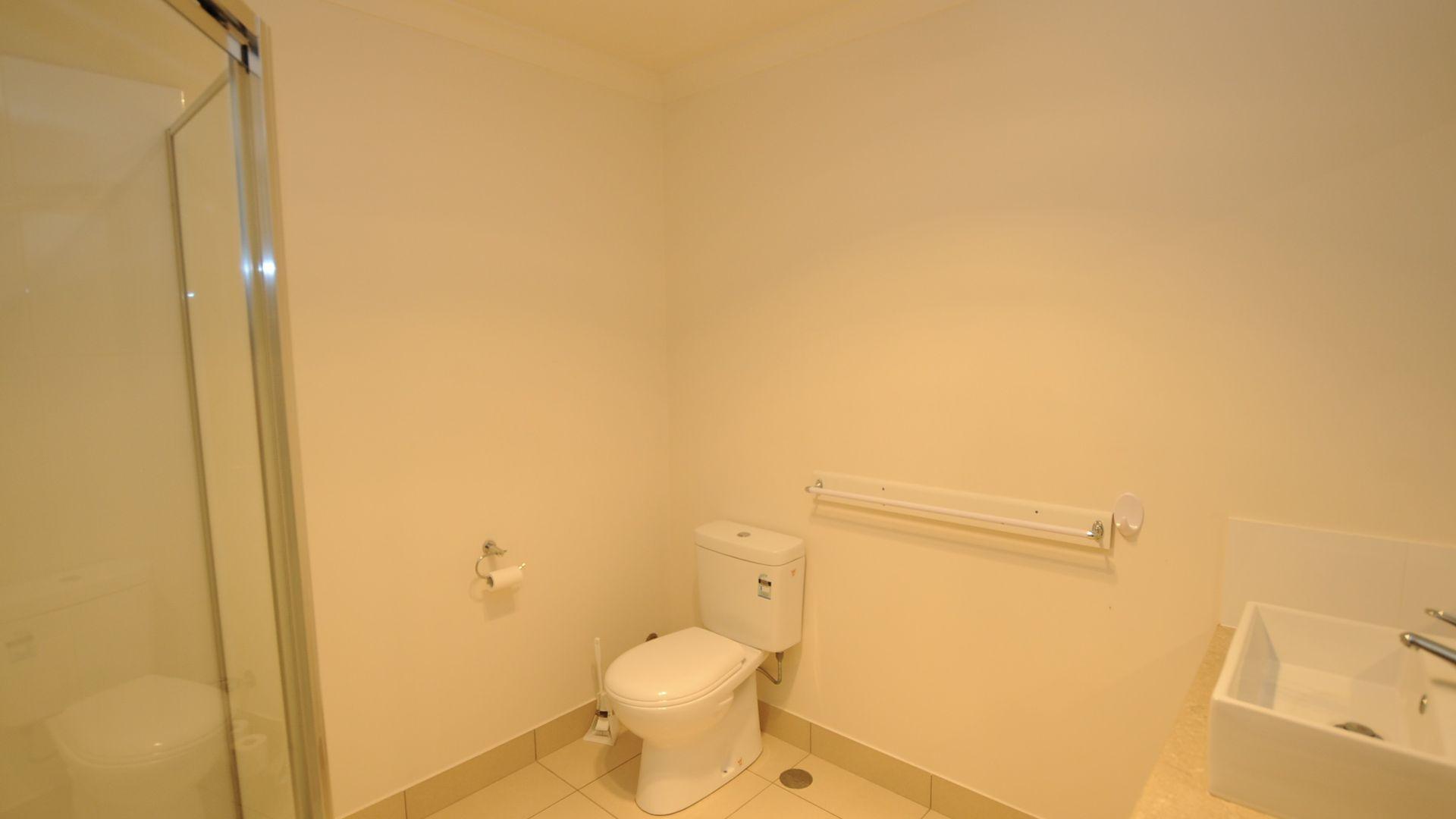 2/106 Burnett Street, Bundaberg South QLD 4670, Image 2