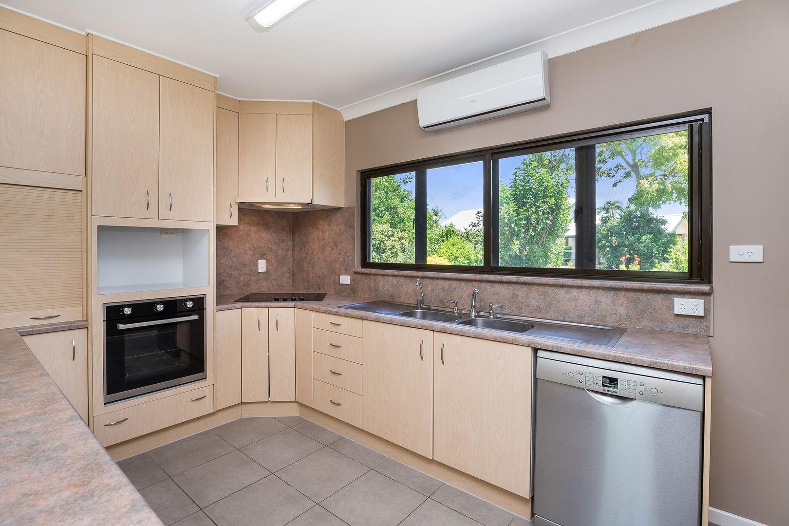10 Gilli Crescent, Cranbrook QLD 4814, Image 2