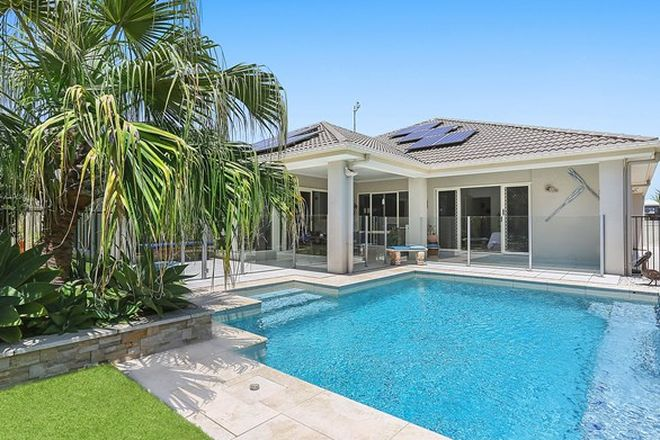Picture of 10 Ballinger Place, PELICAN WATERS QLD 4551