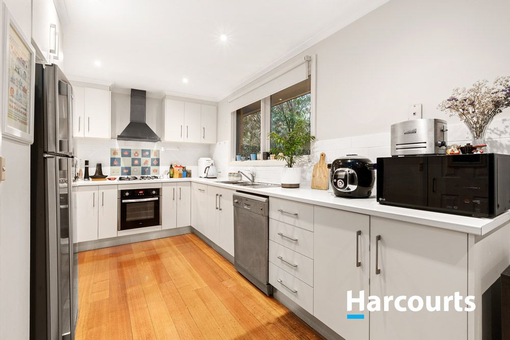 19 Hartington Drive, Wantirna VIC 3152, Image 1