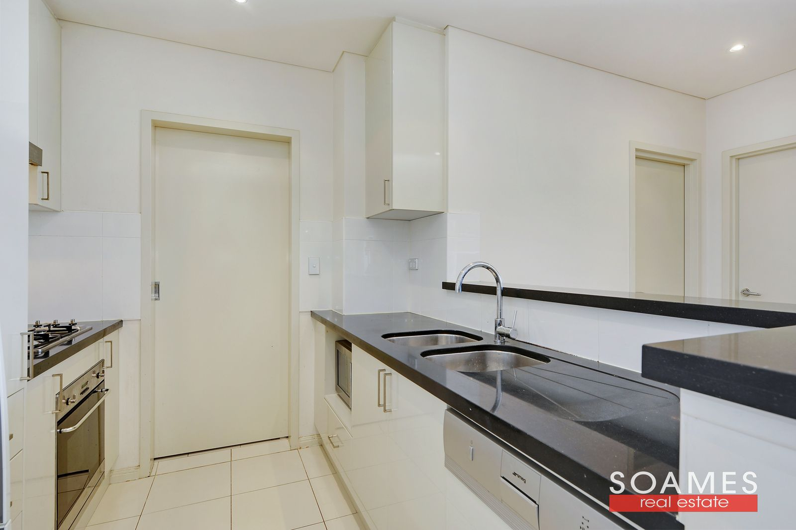 913/1c Burdett Street, Hornsby NSW 2077, Image 2