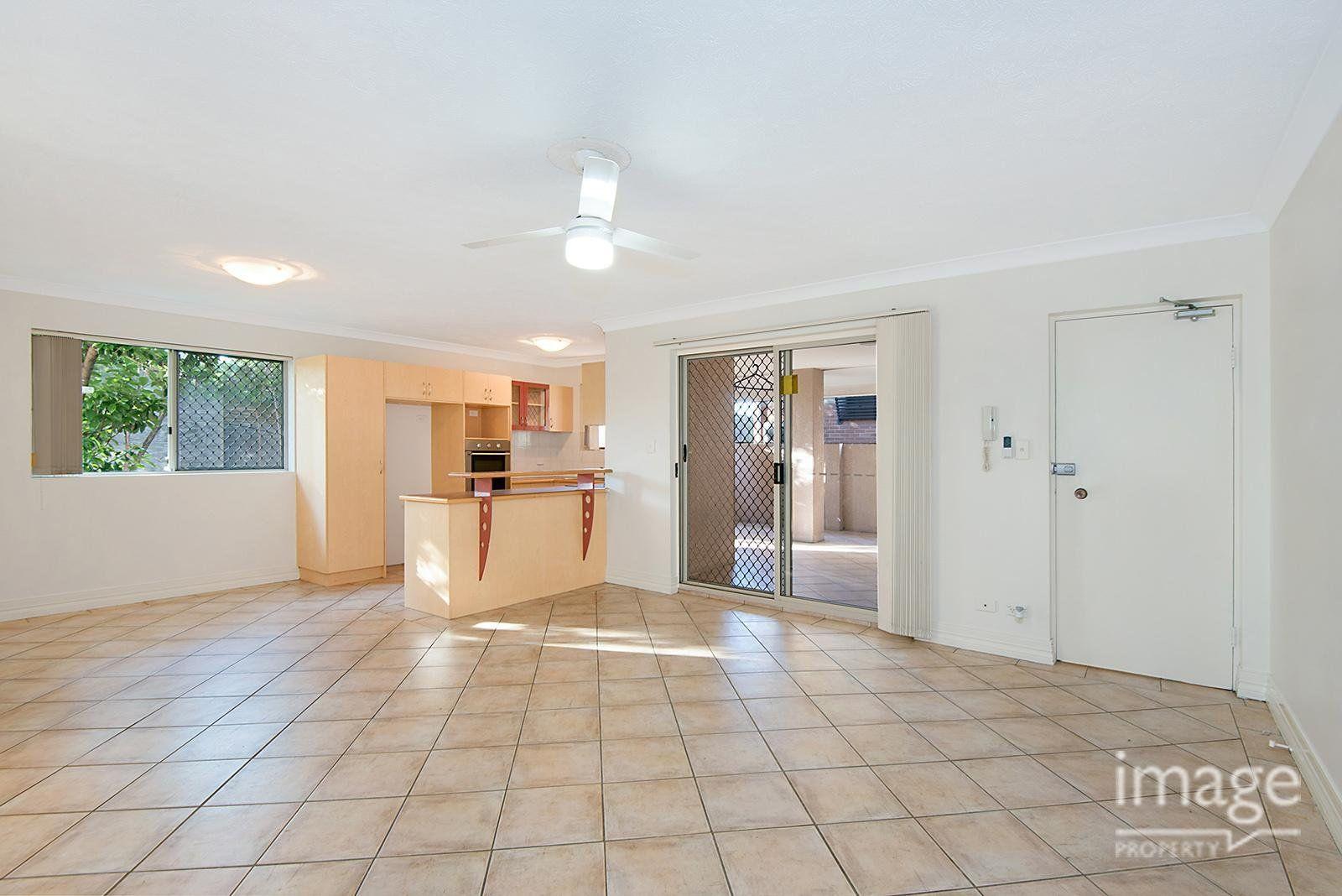 15 Cardross Street, Yeerongpilly QLD 4105, Image 0