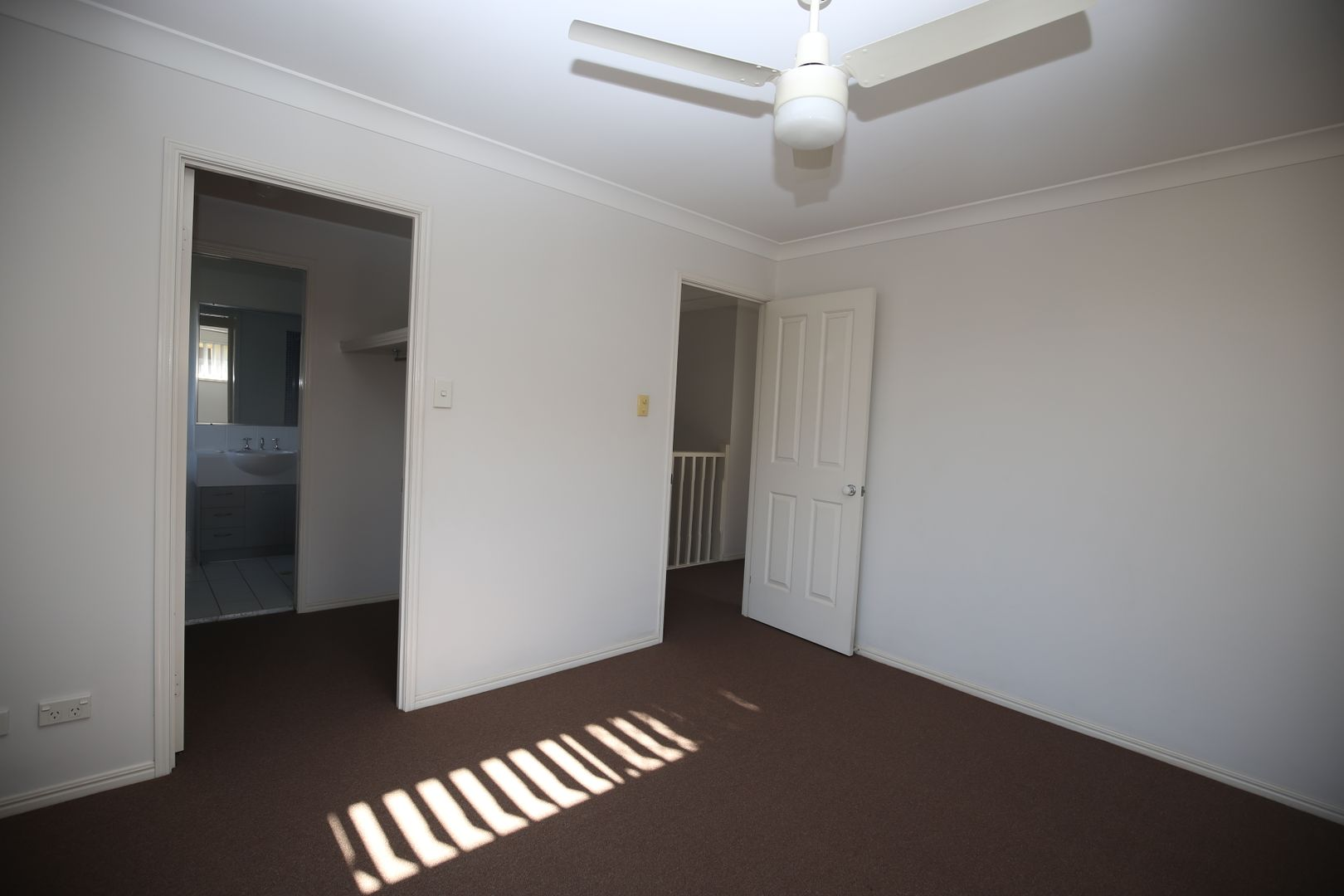 210 Government Road, Forest Lake QLD 4078, Image 1