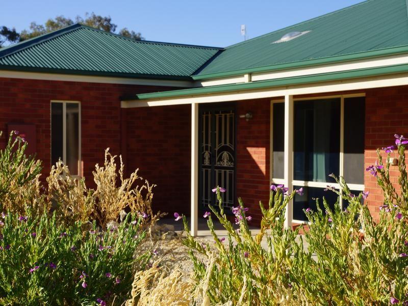4 Bundoora Avenue, Jerilderie NSW 2716, Image 0
