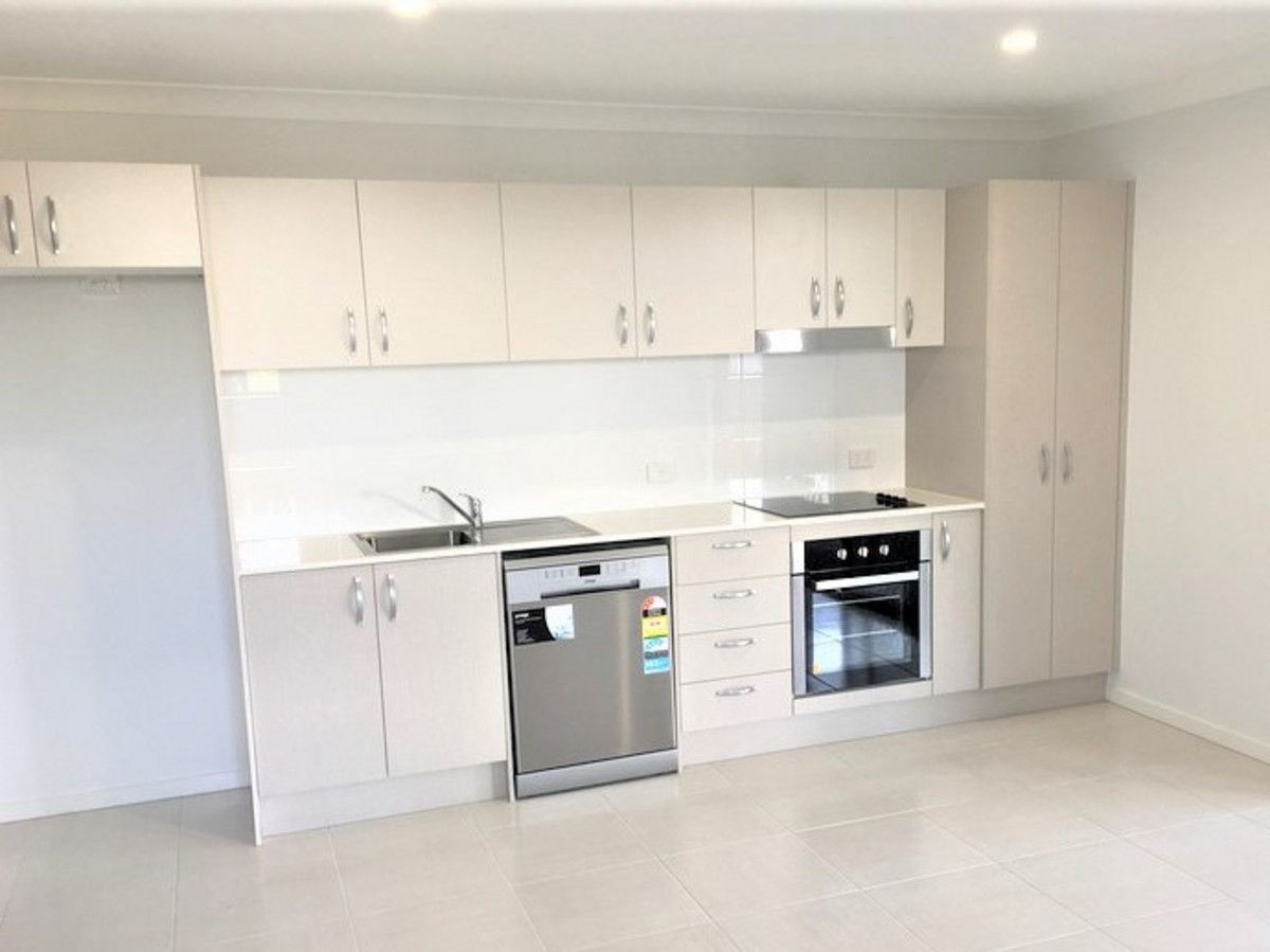 2/6 Cronin Street, Morayfield QLD 4506, Image 0