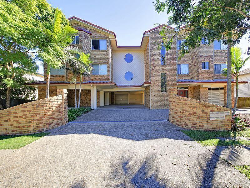 2/46 Robinson Street, Coorparoo QLD 4151, Image 0