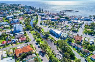 Picture of 9 Humpybong Esplanade, Redcliffe QLD 4020