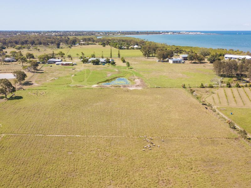 6 Shore Road East, Urangan QLD 4655, Image 2