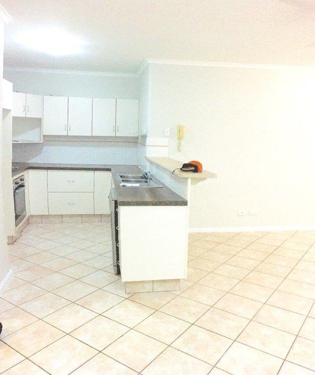 4/34 Digger Street, Cairns North QLD 4870, Image 2