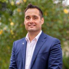 Adrian Petrucelli, Sales representative