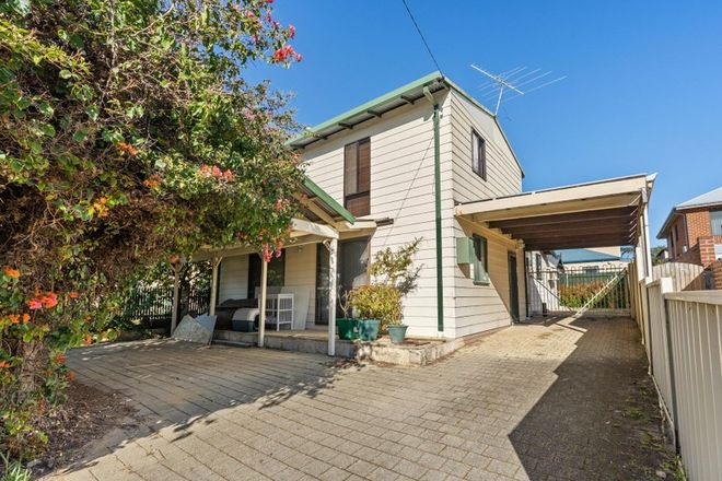 Picture of 213 Ravenscar Street, DOUBLEVIEW WA 6018