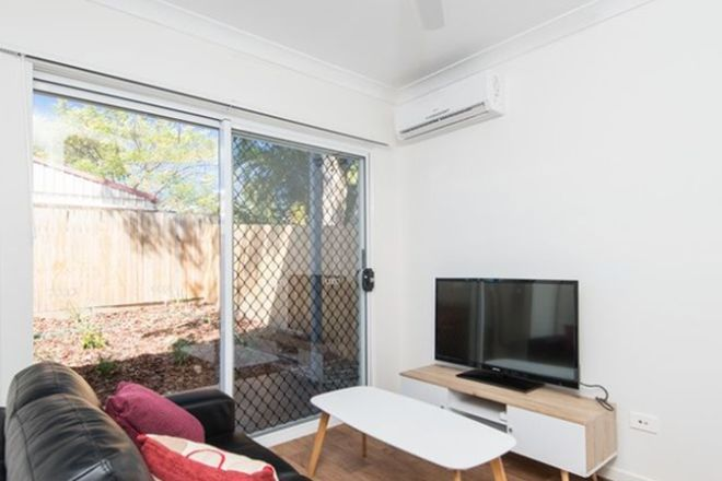 Picture of 16 St Clements Road, OXLEY QLD 4075