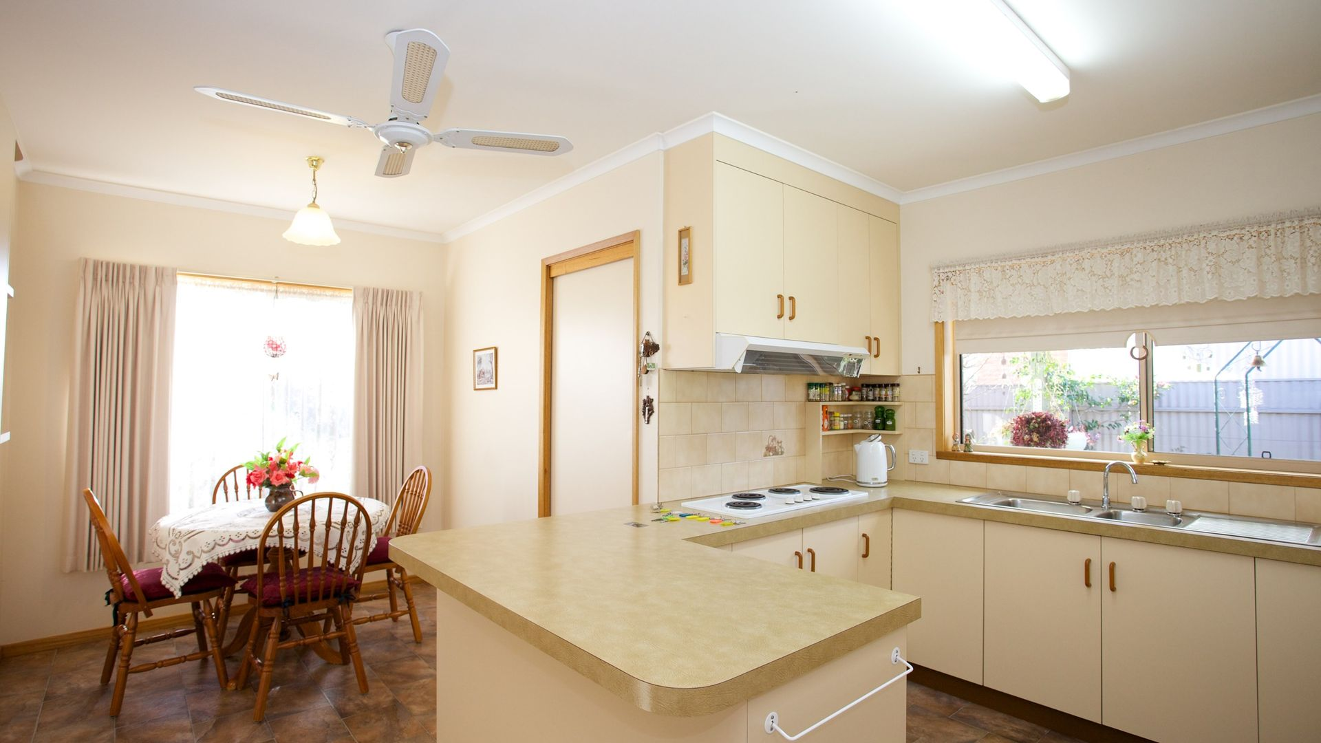 1 Spry Court, Horsham VIC 3400, Image 2