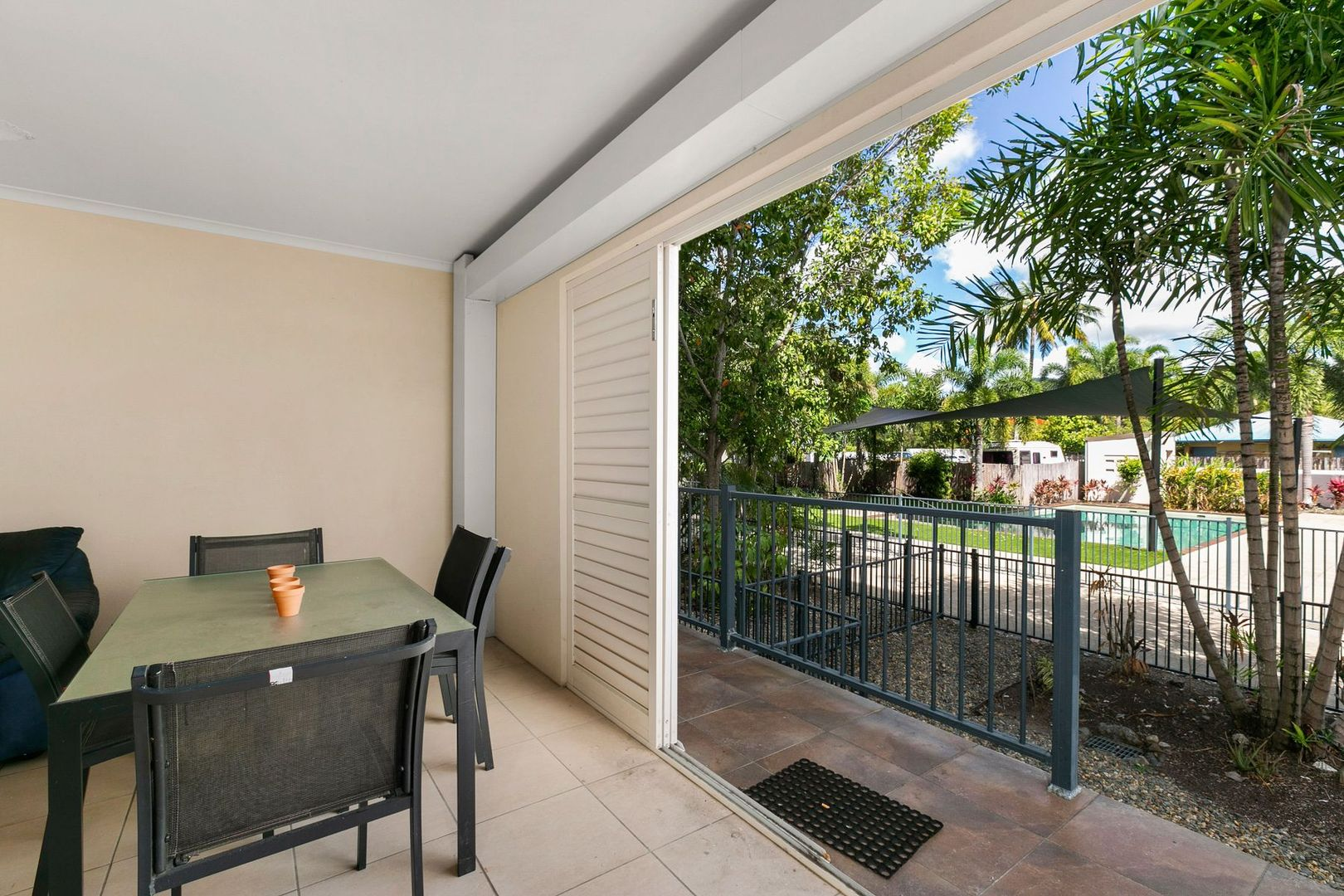 15/335 Lake Street, Cairns North QLD 4870, Image 2