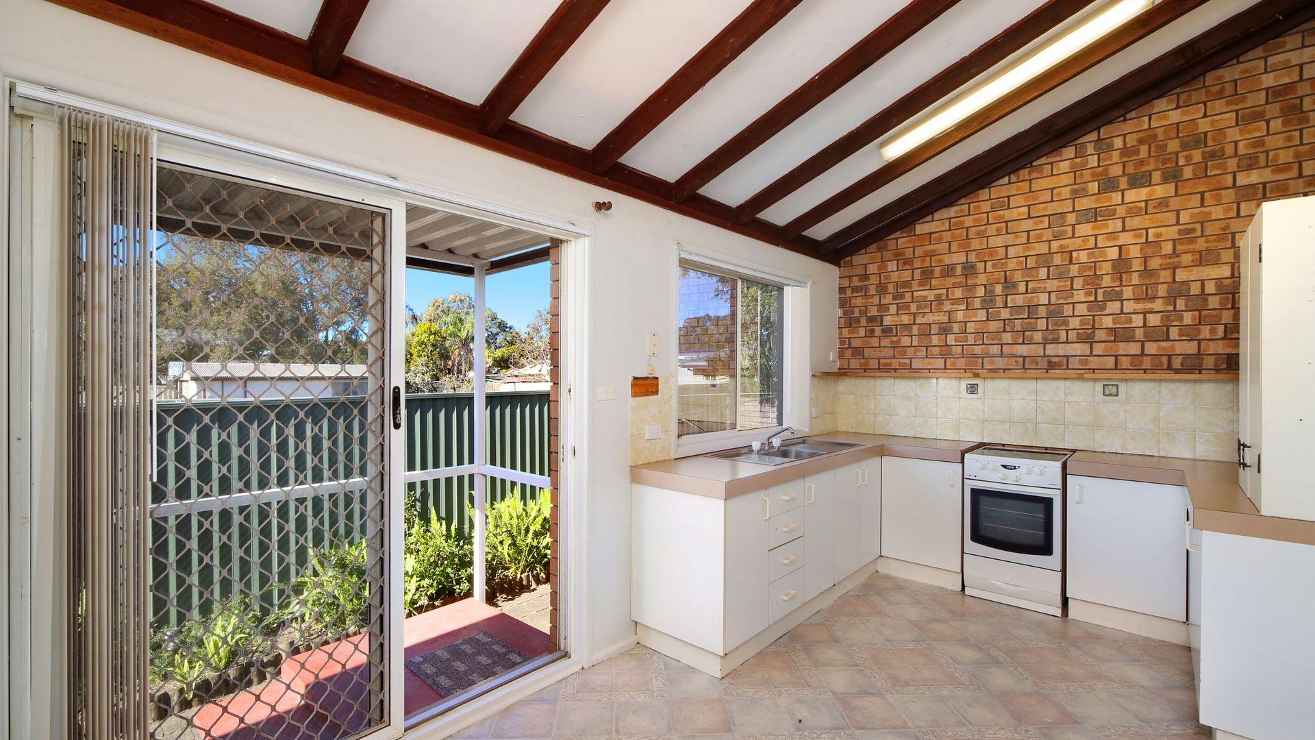 2/10 Kalulah Avenue, Gorokan NSW 2263, Image 2