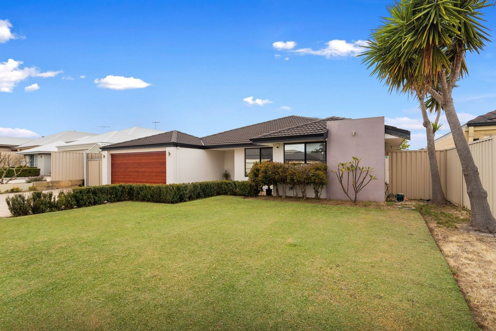 3 bedrooms House in 2 Hookstone Drive LANDSDALE WA, 6065