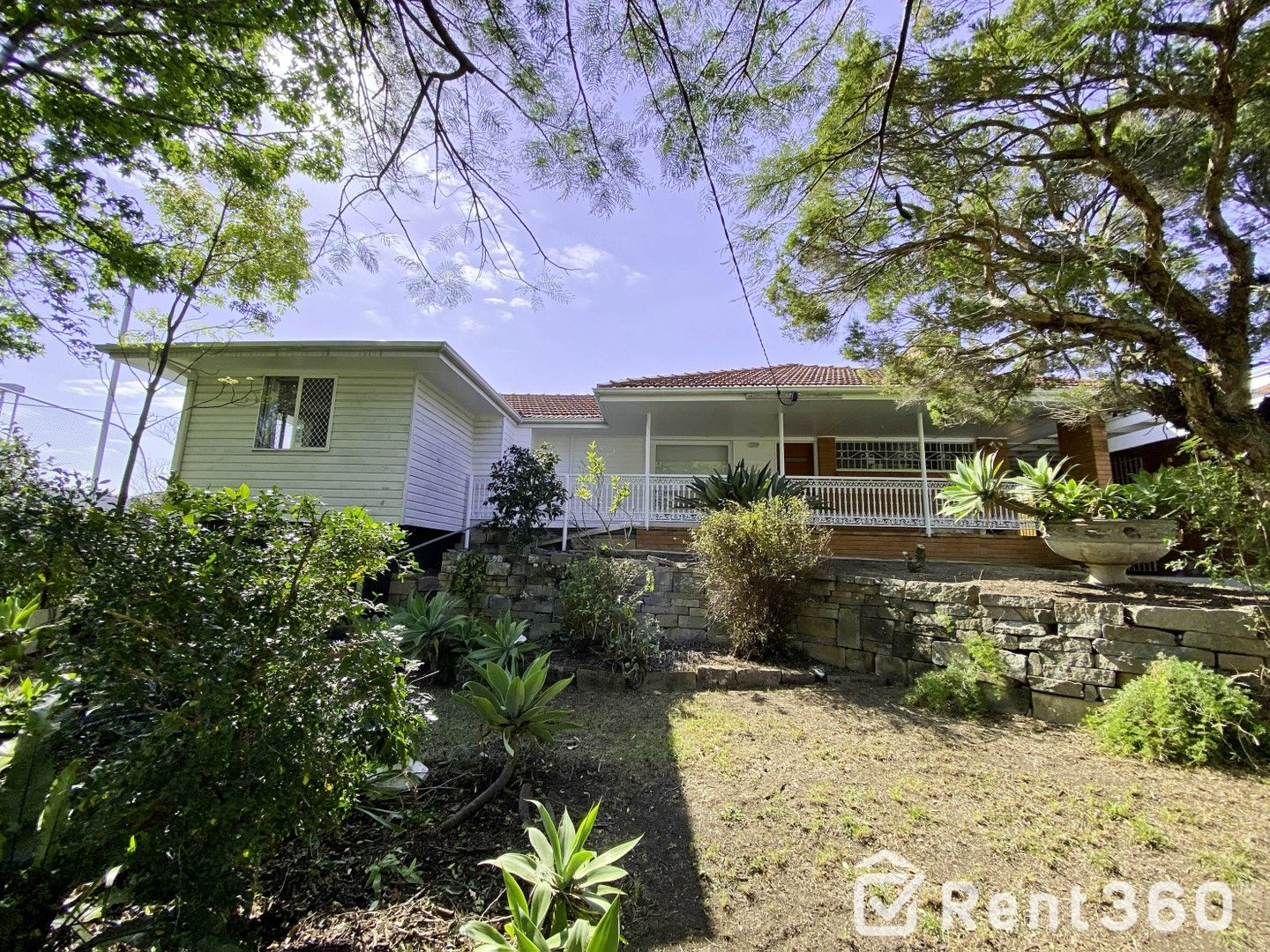 4 bedrooms House in 14 Tenth Avenue ST LUCIA QLD, 4067