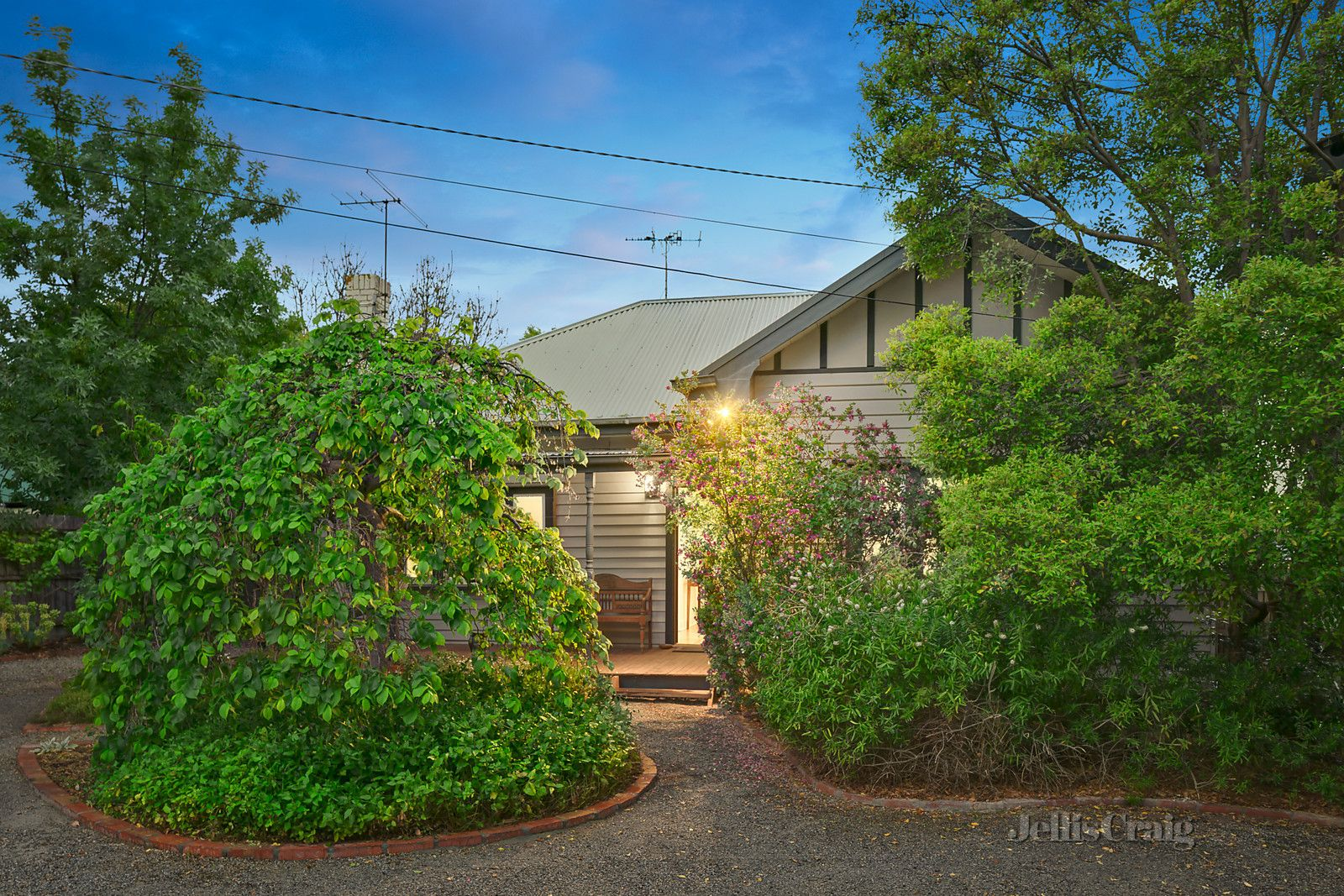 1/121 Mountain View Road, Briar Hill VIC 3088, Image 0