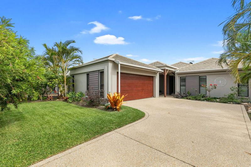 15 Lady Nelson Drive, Eli Waters QLD 4655, Image 2