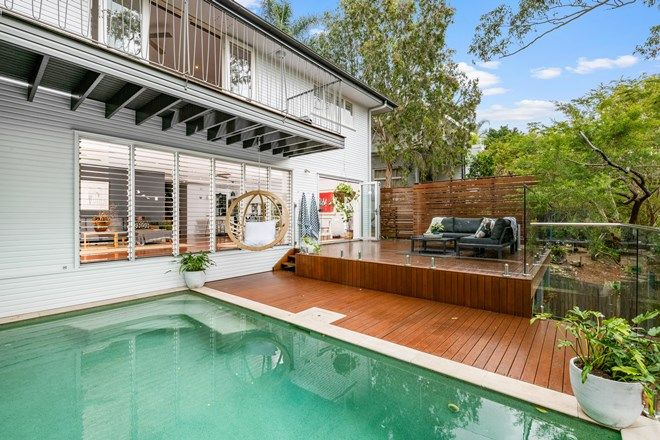 Picture of 37 Outlook Crescent, BARDON QLD 4065