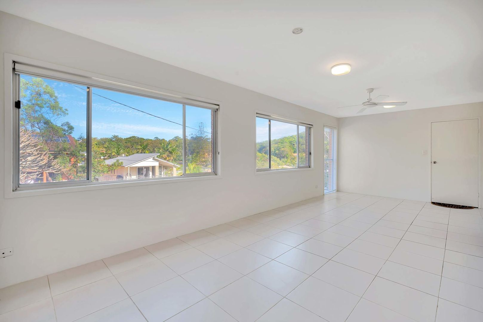 Unit 3/7 Albert St, Burleigh Heads QLD 4220, Image 2
