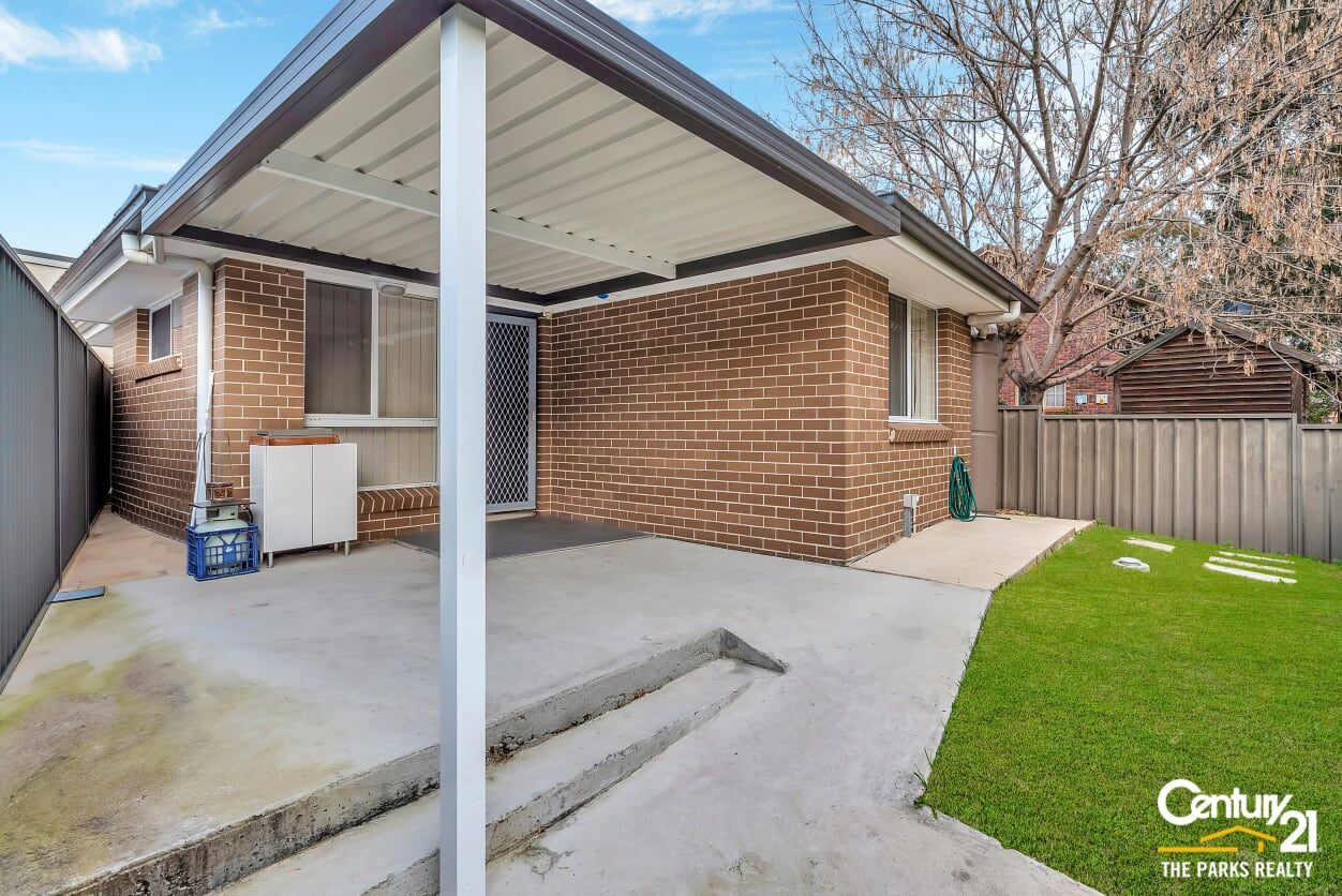5a Mersey Close, Bossley Park NSW 2176, Image 0