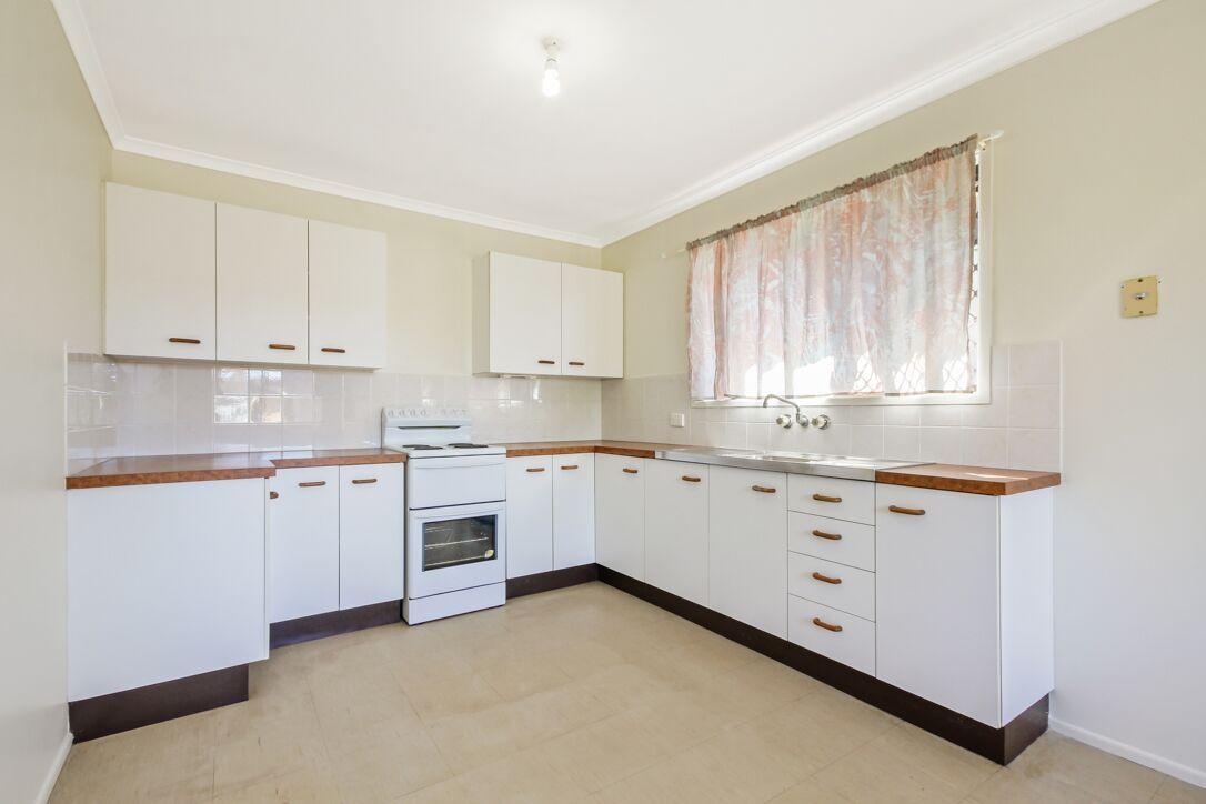 43 Sheaves Road, Kallangur QLD 4503, Image 2