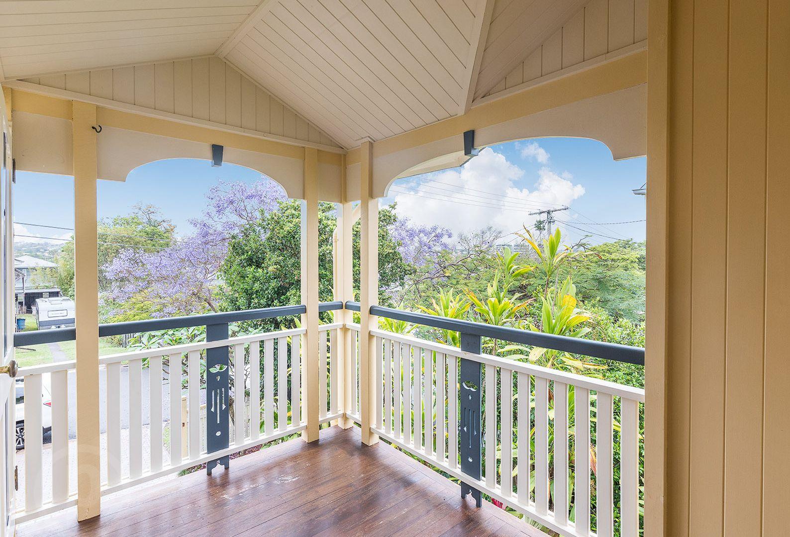 30 Parooba Avenue, Camp Hill QLD 4152, Image 2