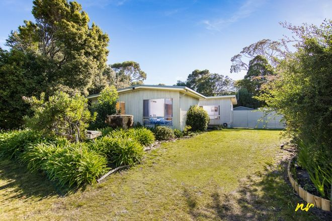 Picture of 62 Beach Road, ST LEONARDS VIC 3223
