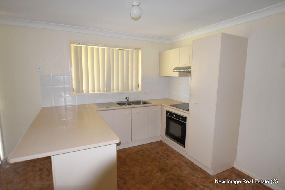 73 Cumberland Crescent, Heritage Park QLD 4118, Image 2