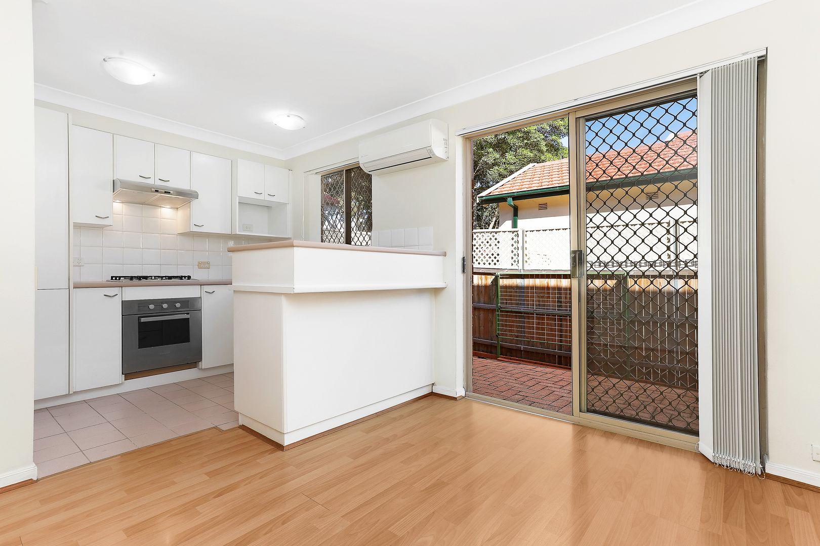1/37 Oak Street, Ashfield NSW 2131, Image 2