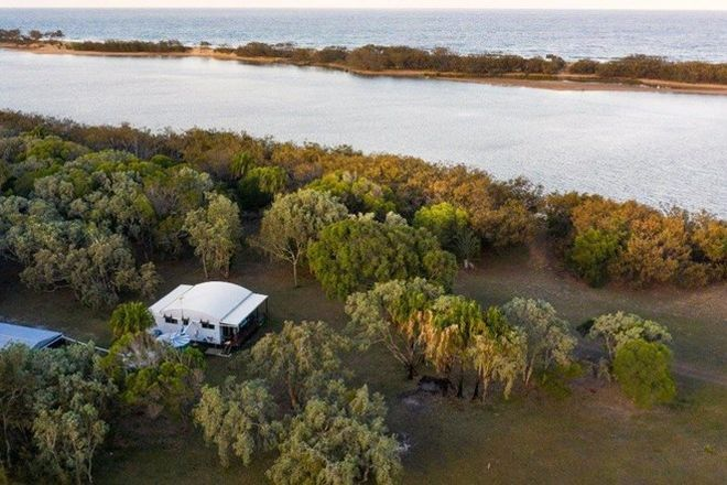 Picture of 704 Fingerfield Road, DEEPWATER QLD 4674