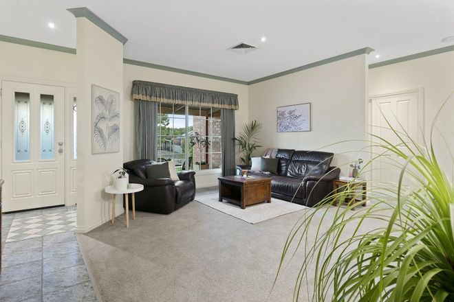 Picture of 11 Londonderry Way, EPSOM VIC 3551