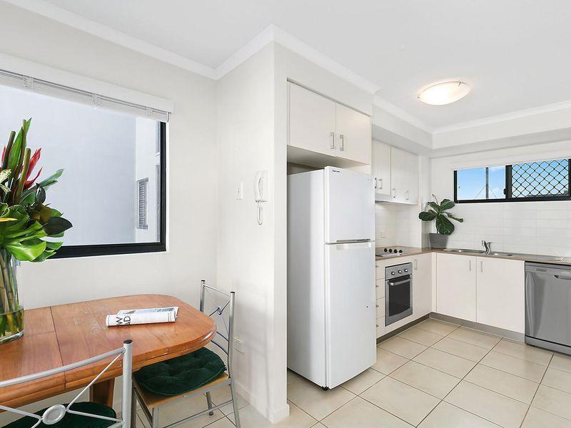 Level 4, 14/38 King Street, Kings Beach QLD 4551, Image 2