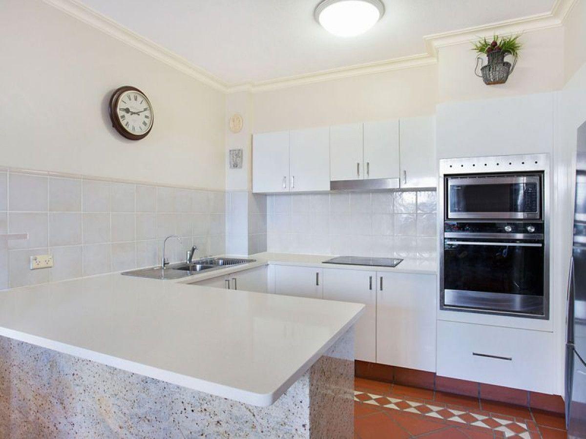 25/122-130 Old Burleigh Road, Broadbeach QLD 4218, Image 2
