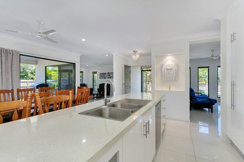1 Beachfront Ave, Trinity Beach QLD 4879, Image 2