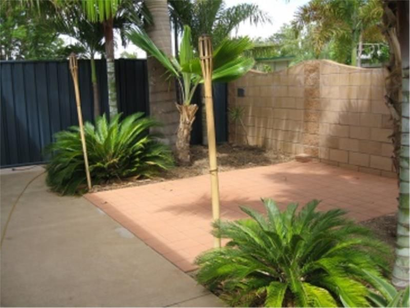 1/9 Cook Crescent, Sunset QLD 4825, Image 1