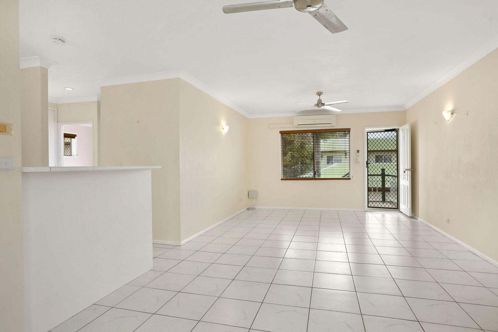 9/15-17 Springfield Crescent, Manoora QLD 4870, Image 1