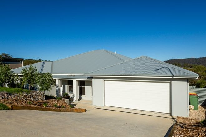 Picture of 48 Hillcrest Avenue, LITHGOW NSW 2790