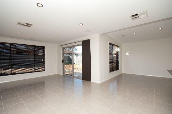 4 Willaroo Street, Thurgoona NSW 2640, Image 2